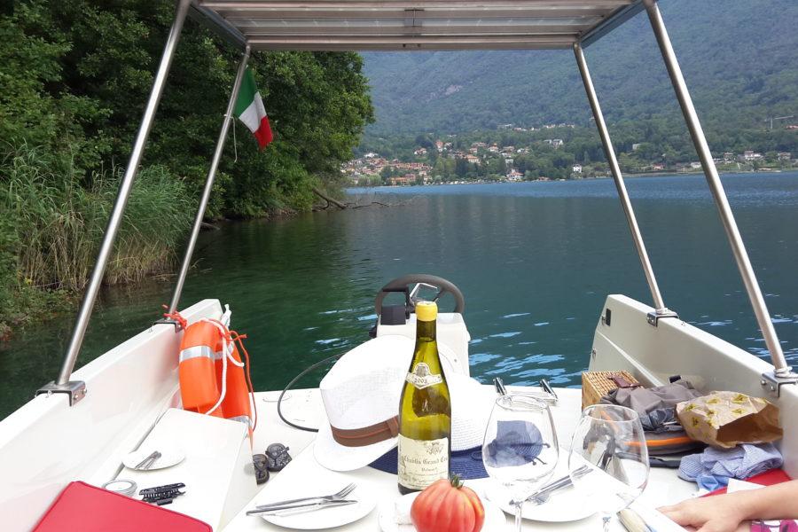 """Si chiama """"barchetta gourmet (elettrica)"""" il pic nic slow dello chef stellato Marco Sacco di Gian Basilio Nieddu – www.vaielettrico.com"""
